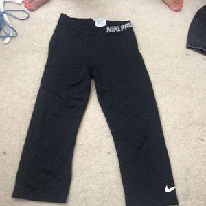 Nike pro leggings gently worn